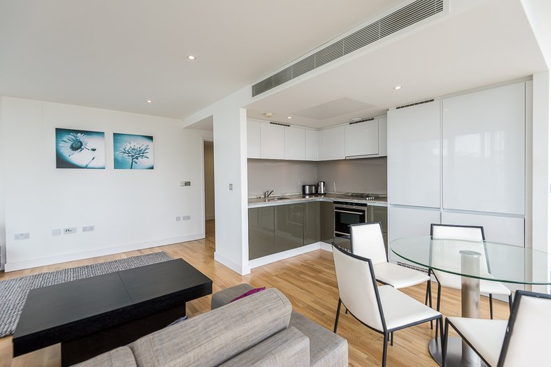 2 bedroom(s) apartment to sale in Landmark West Tower, Marsh Wall, Canary Wharf-image 1