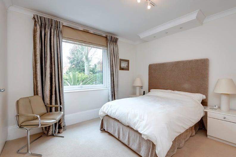 2 bedroom(s) apartment to sale in Broadlands Lodge, Broadlands Road, Highgate, London-image 4
