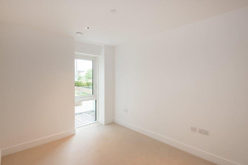 2 bedroom(s) apartment to sale in Dashwood House, Dickens Yard,, Ealing-image 3