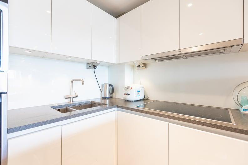 2 bedroom(s) apartment to sale in Regatta Lane, Fulham Reach, London-image 13