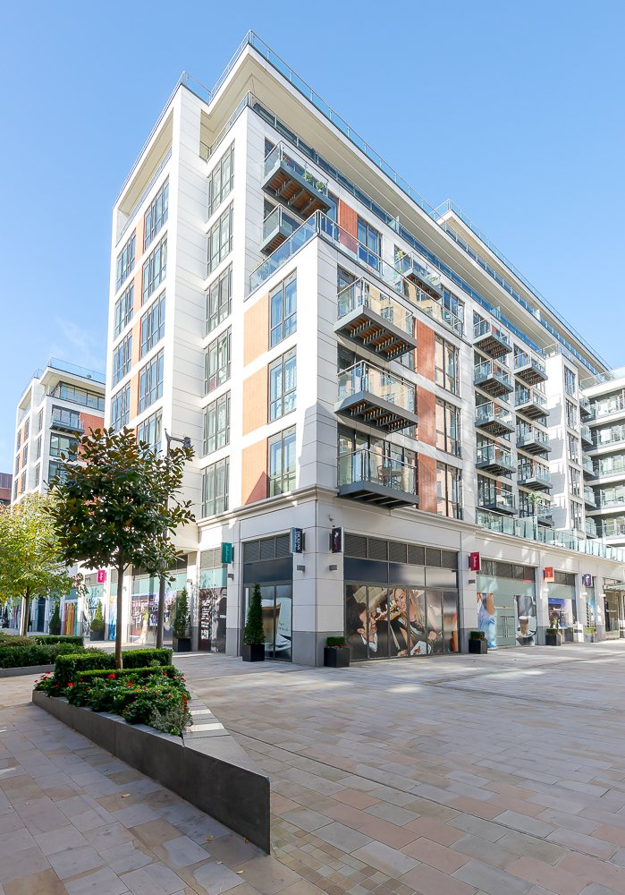 2 bedroom(s) apartment to sale in Quartz House, Dickens Yard, Ealing-image 9