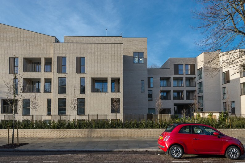 2 bedroom(s) apartment to sale in The Avenue, Brondesbury Park, London-image 18