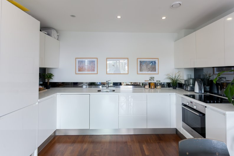 1 bedroom(s) apartment to sale in Cornmill House, Wharf Street, Deptford-image 2
