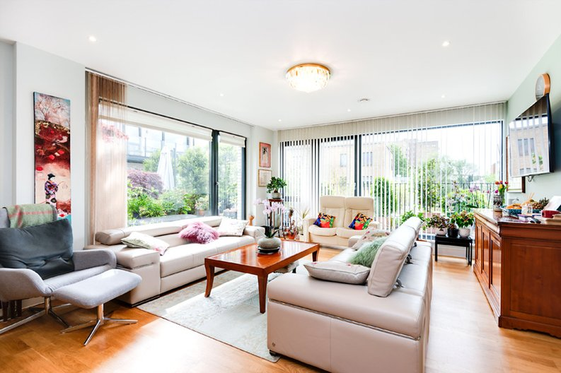 2 bedroom(s) apartment to sale in Regis Place, 10 Llanvanor Road, Childs Hill, London-image 2