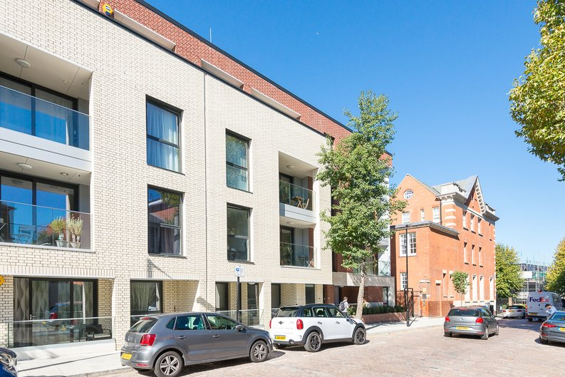 1 bedroom(s) apartment to sale in Butler House, 6 Dixon Butler Mews, London-image 1