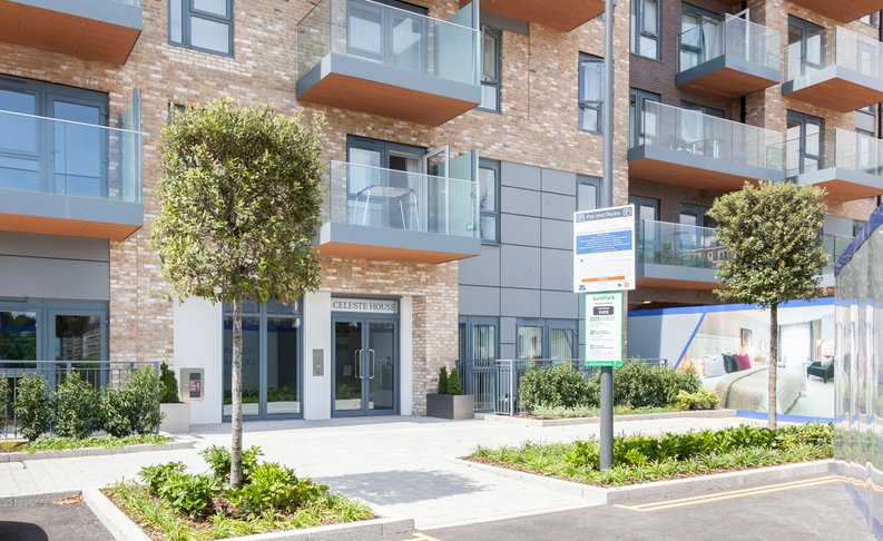 1 bedroom(s) apartment to sale in Fairbank House , Beaufort Park , Colindale, London-image 1