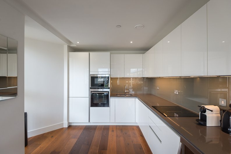 2 bedroom(s) apartment to sale in Westbourne Apartments, Central Avenue, Fulham-image 5