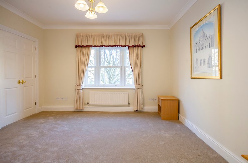 2 bedroom(s) apartment to sale in Trinity Church Road, London-image 6
