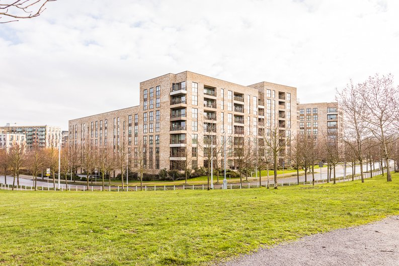 2 bedroom(s) apartment to sale in Bodiam Court, Park Royal-image 16