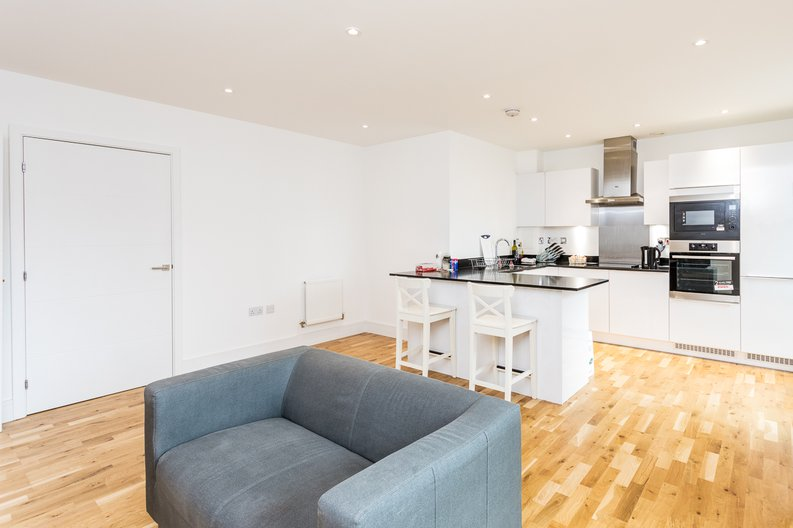 1 bedroom(s) apartment to sale in Cityview Point, Leven Road, Poplar-image 3