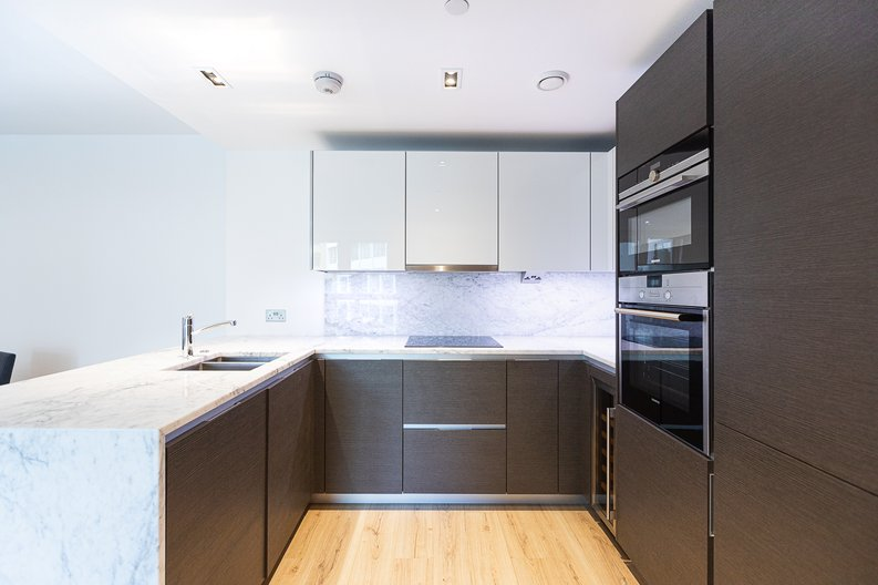 2 bedroom(s) apartment to sale in Marquis House, Sovereign Court, Hammersmith-image 2
