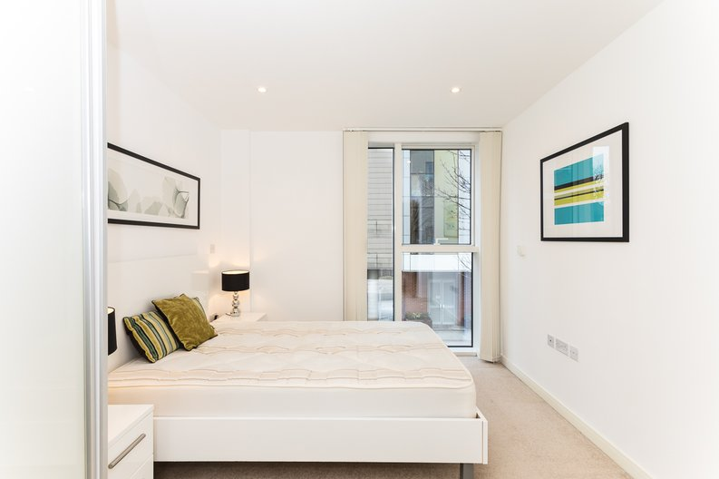 2 bedroom(s) apartment to sale in Waterside Apartments, Goodchild Road, Woodberry Down, Manor House-image 10