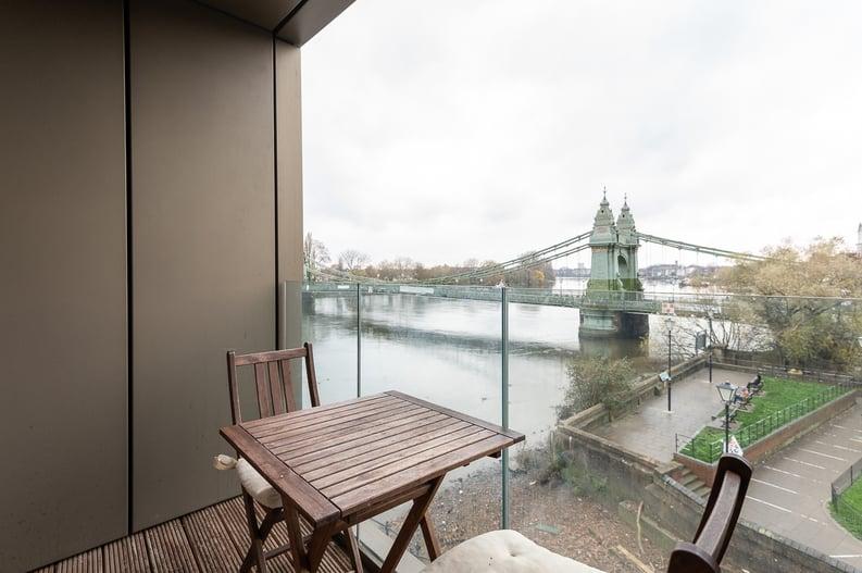 2 bedroom(s) apartment to sale in Queens Wharf, Crisp Road, Hammersmith-image 12