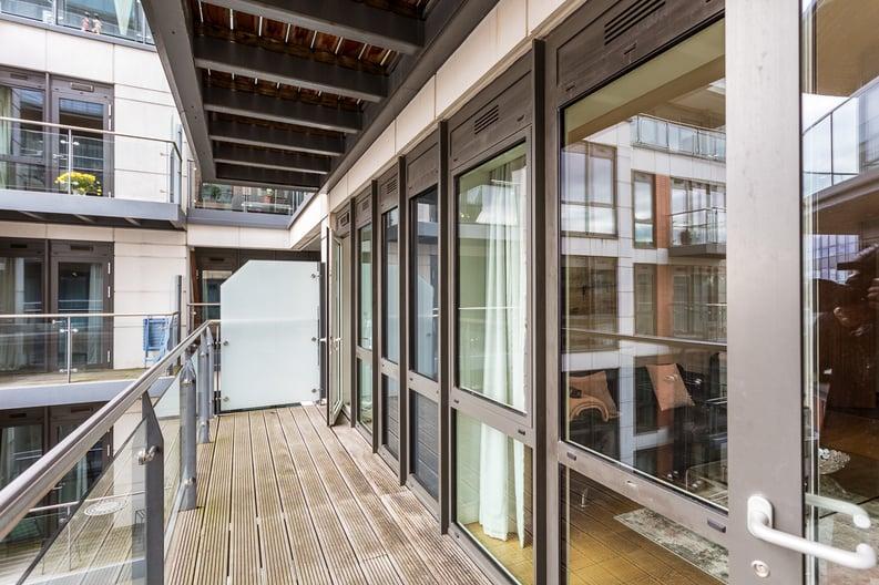 2 bedroom(s) apartment to sale in Belgravia House, Dickens Yard, Ealing-image 12