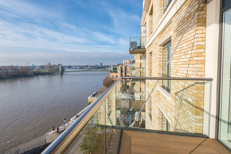 3 bedroom(s) apartment to sale in Distillery Wharf, Parr's Way, Hammersmith-image 18