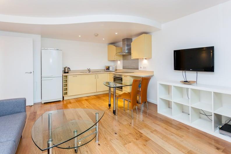 1 bedroom(s) apartment to sale in Westminster Bridge Road, Lambeth, London-image 7