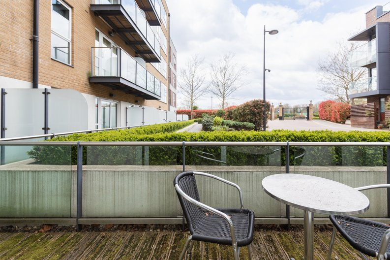 Studio apartment to sale in Napier House, Bromyard Avenue, London-image 10