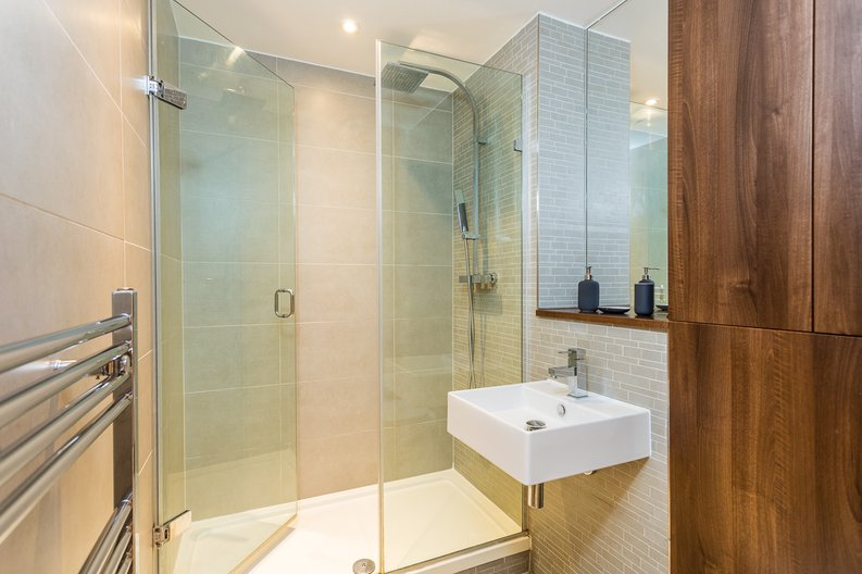 2 bedroom(s) apartment to sale in Riverside Apartments, Goodchild Road, Woodberry Down, Manor House-image 10