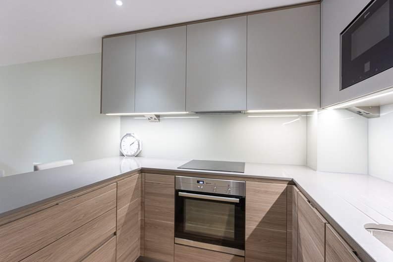 2 bedroom(s) apartment to sale in Aerodrome Road, Colindale, London-image 12