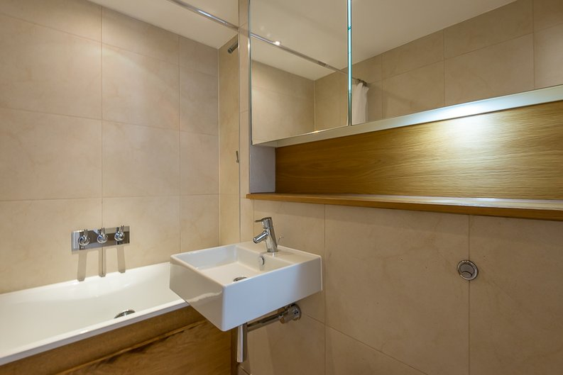 1 bedroom(s) apartment to sale in Caspian Wharf, 1 Yeo Street, Bromley-by- Bow, London-image 4