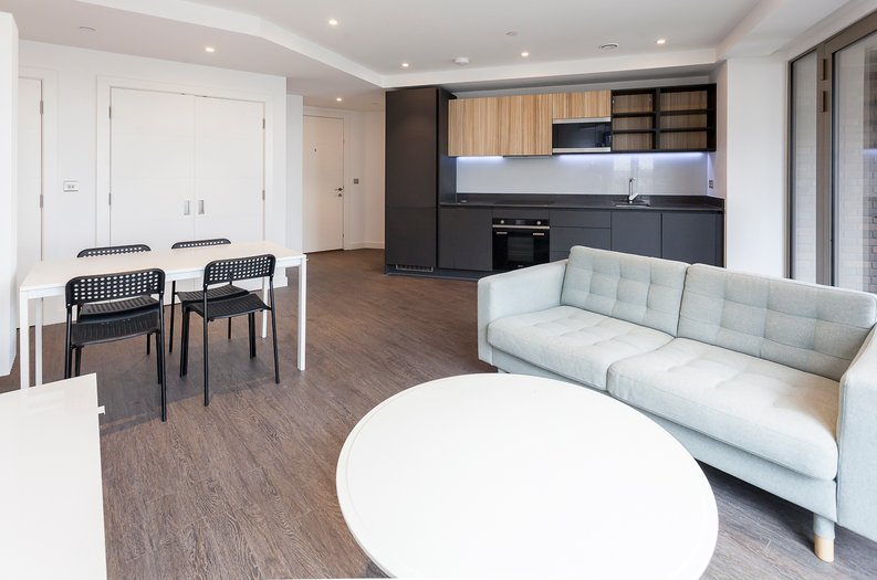 1 bedroom(s) apartment to sale in Royal Dock West, 12 Western Gateway, London-image 1
