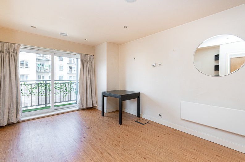 1 bedroom(s) apartment to sale in Curtiss House, 27 Heritage Avenue, Beaufort Park, London-image 1