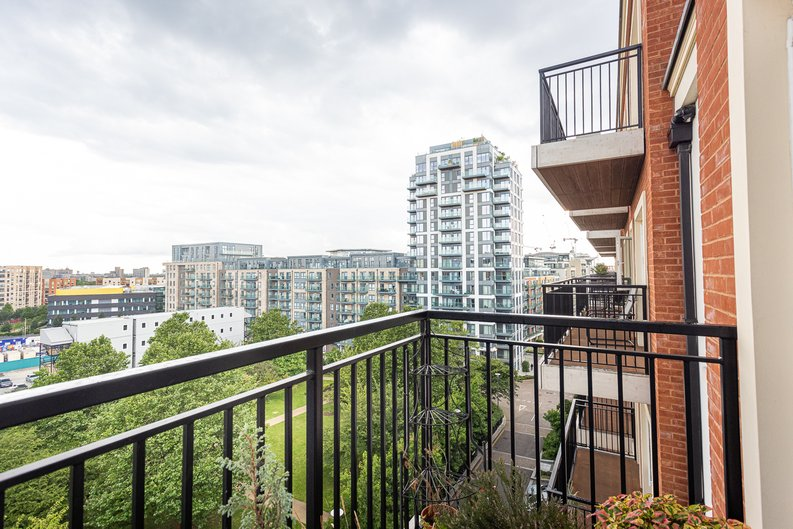 1 bedroom(s) apartment to sale in Beaufort Square, Colindale, London-image 9