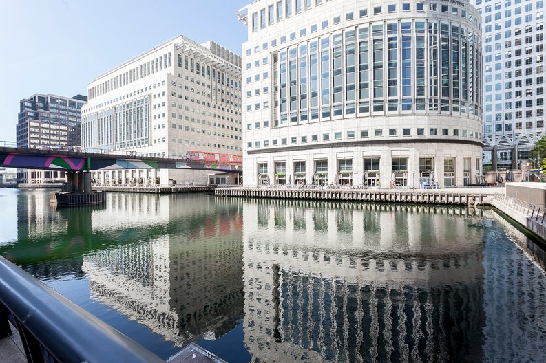 1 bedroom(s) to sale in Hampton Tower, South Quay Plaza, Marsh Wall, Canary Wharf-image 2