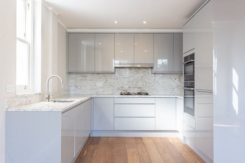3 bedroom(s) apartment to sale in Greville Road, St. John's Wood Borders, London-image 9