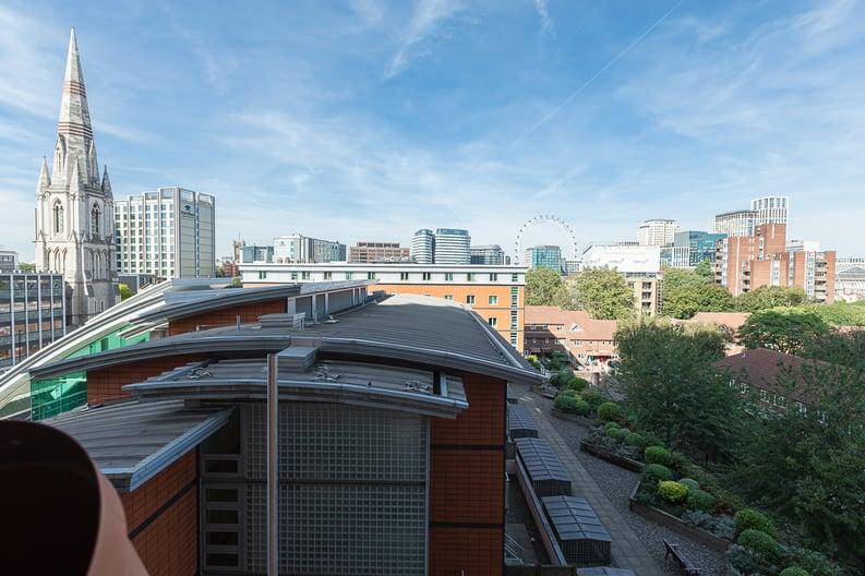 2 bedroom(s) apartment to sale in Westminster Bridge Road, Lambeth, London-image 5