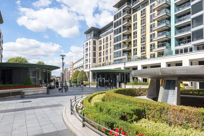 3 bedroom(s) apartment to sale in Riverside Tower , Imperial Wharf , London-image 6