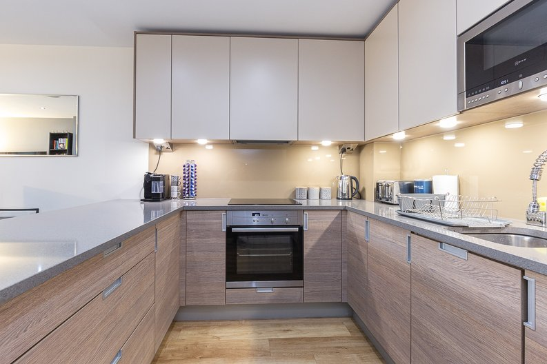 1 bedroom(s) apartment to sale in Cavendish House, Boulevard Drive, London-image 5