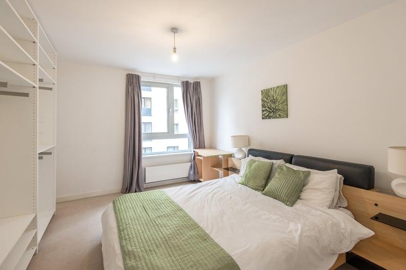 2 bedroom(s) apartment to sale in Eden Grove, Islington, London-image 12