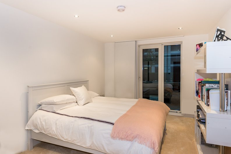 3 bedroom(s) apartment to sale in Dolphin House, Lensbury Avenue, Imperial Wharf, Fulham-image 11