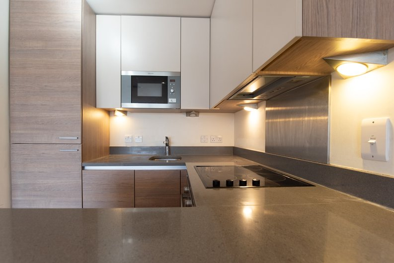 1 bedroom(s) apartment to sale in East Drive, London-image 6
