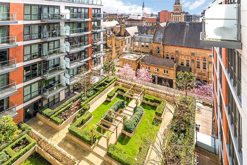 2 bedroom(s) apartment to sale in Belgravia House, Dickens Yard, Ealing, London-image 14