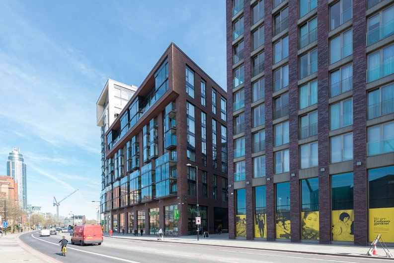 1 bedroom(s) apartment to sale in Ambassador Building, 5 New Union Square, London-image 1