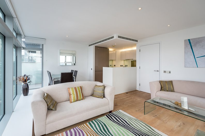 2 bedroom(s) apartment to sale in West Tower, Pan Peninsula Square, Canary Wharf-image 3