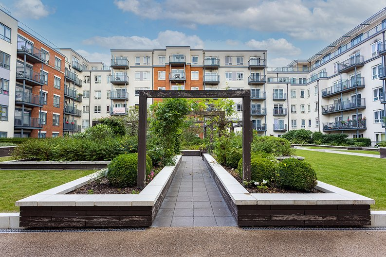 Studio apartment to sale in East Drive, Colindale, London-image 13