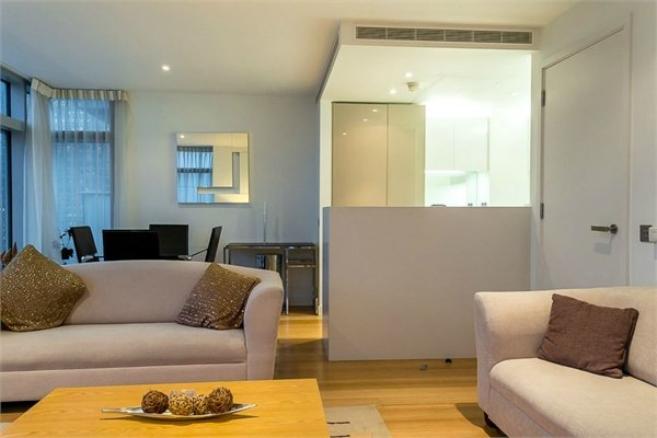 2 bedroom(s) apartment to sale in 1 Pan Peninsula Square, West Tower, Canary Wharf , London-image 4