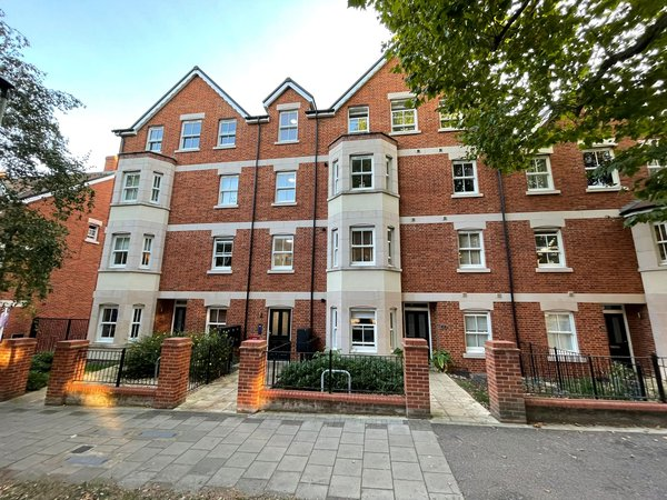 De Montfort Place, Bedford Image