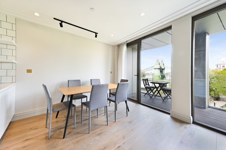 2 bedroom(s) apartment to sale in Queens Wharf, 2 Crisp Road, Hammersmith-image 5