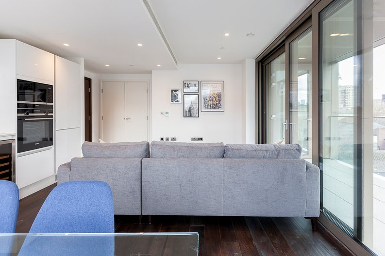2 bedroom(s) apartment to sale in Rosemary Place, 85 Royal Mint Street, Tower Hill, London-image 8