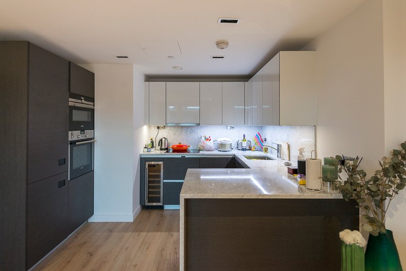 2 bedroom(s) apartment to sale in Montpellier House, Glenthorne Road, Hammersmith, London-image 6