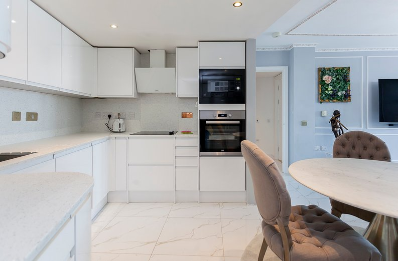 1 bedroom(s) apartment to sale in Falcon Wharf, 34 Lombard Road, Battersea-image 5