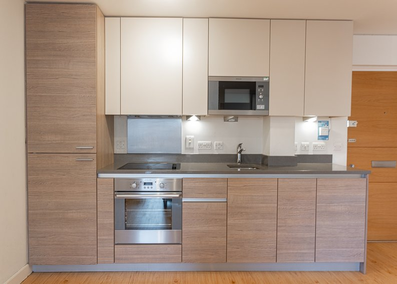 Studio apartment to sale in East Drive, Colindale, London-image 5