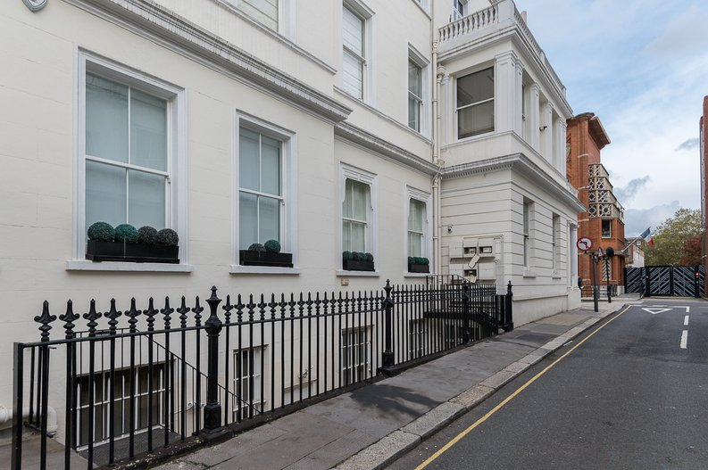 2 bedroom(s) house to sale in Queensberry Place, South Kensington-image 15
