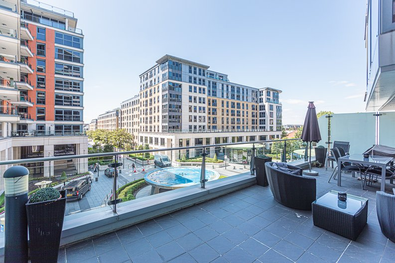 2 bedroom(s) apartment to sale in Chelsea Vista, Imperial Wharf, Fulham-image 5