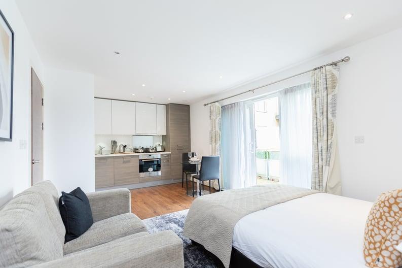 Studio apartment to sale in Napier House, Bromyard Avenue, London-image 2