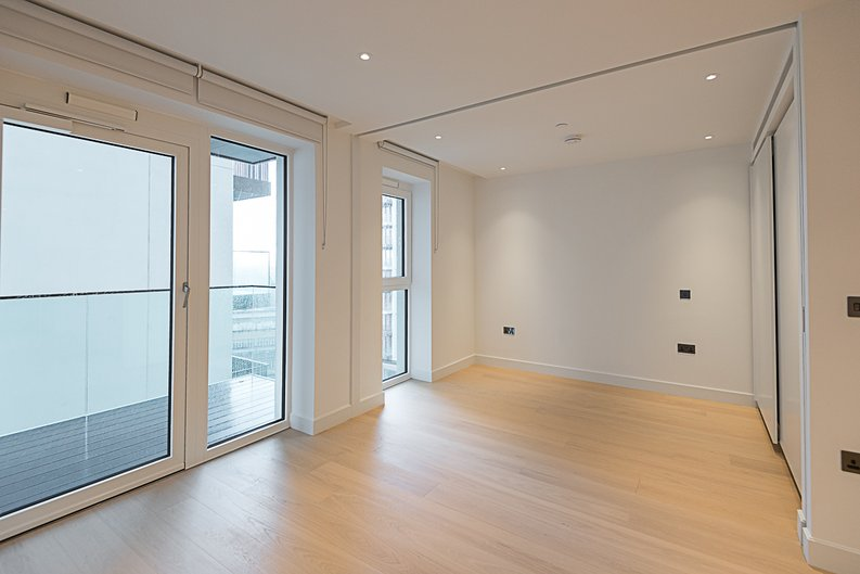 1 bedroom(s) apartment to sale in Belvedere Row, White City , London-image 2